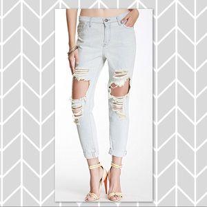 Sneak Peek lightwash cropped boyfriend jeans